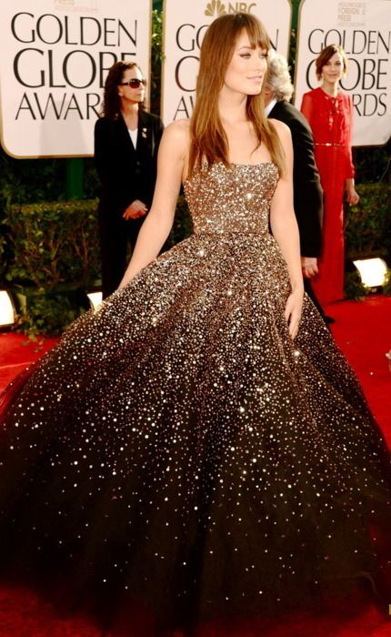 Olivia Wilde wearing a Marchesa dress at the 2011 Golden Globe Awards
