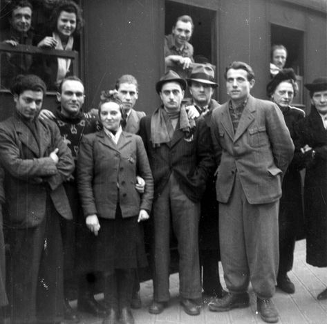 "a history of jewish immigration in america In a long tradition of ""persecuting the refugee,"" the state department and fdr  claimed that jewish immigrants could threaten national security."