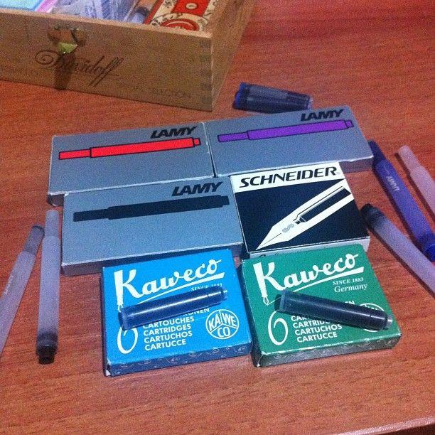 Ink cartridge for fountain pen. Cartuccia di inchiostro per penna stilografica. Dolma kalem için mürekkep kartuşu.