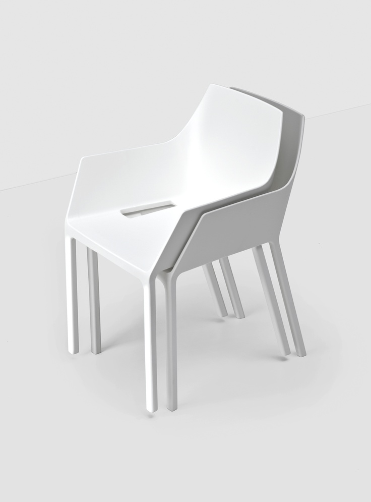 Mem by Christophe Pillet - Kristalia #outdoorfurniture #plastic #stackingchair