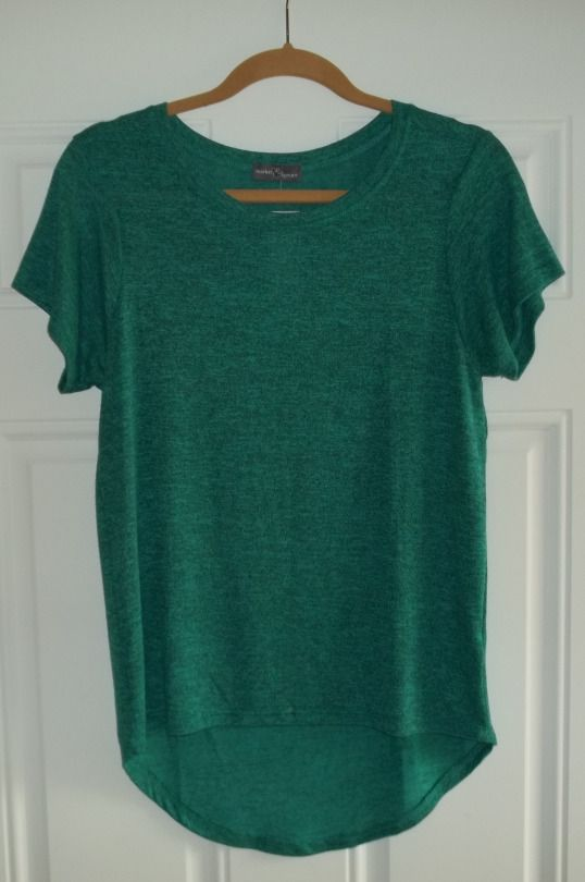 Market & Spruce Sam Hi lo Short Sleeve Tee, softest material ever! and so comfortable. Color is listed as Teal Green, but this pic is a true representation of the actual color.  https://www.stitchfix.com/referral/4292370