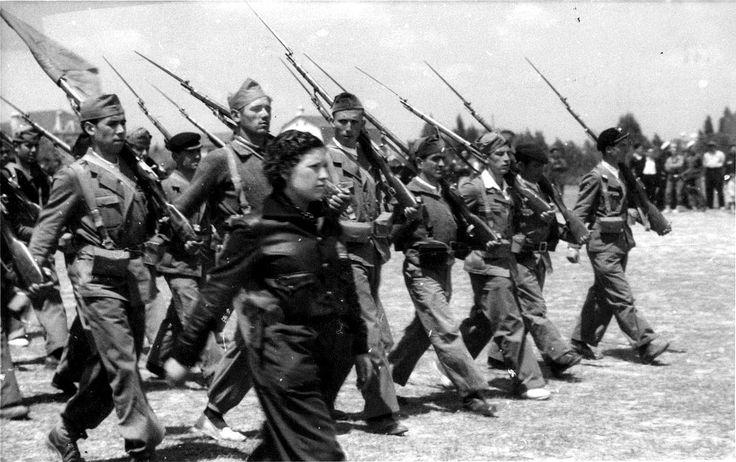 mujeres en la guerra civil de españa..