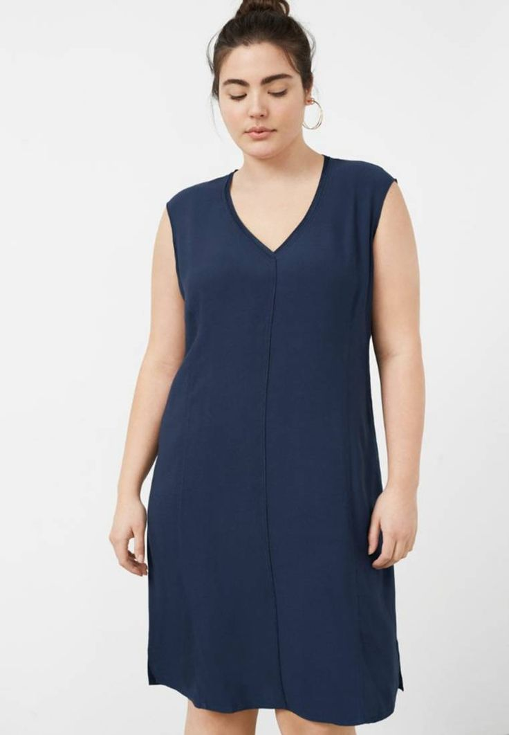 Violeta by Mango. Jersey dress - navy. Fit:regular. Outer fabric material:100% viscose. Pattern:plain. Care instructions:do not tumble dry,machine wash at 30°C. Fastening:zip. Neckline:Low V-neck. Length:short. Sleeve length:Extra short...