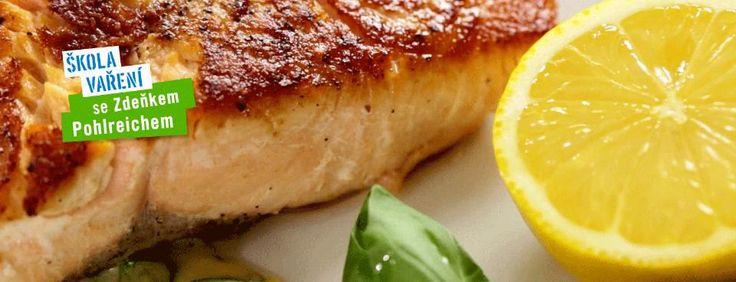 Škola vaření:  Holandská omáčka a losos s bazalkovou omáčkou