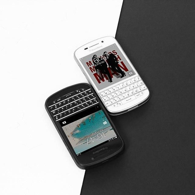 #inst10 #ReGram @confidencebusiness: Blackberry Q10 #blackberryQ10 @qh__hp: . Black&White #blackberry #q10 #BBM #enjoy #blackberrystudio #photooftheday #today #white #black #classic #vsco #vscocam #blackberryclub #BlackBerryClubs #BlackBerryPhotos #BBer #BlackBerryQ10 #Q10