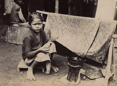 A Javanese Child Batik Artist in 1930. #indonesianbatik
