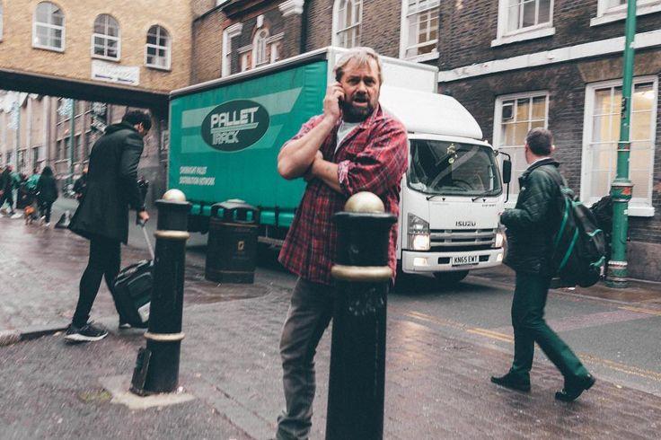 bussy streets arty people sunday market  Brick Lane London last year #ilovebricklane #bussy #streetphotography #street #art #HeyMamaImLate #photography #photooftheday #photo #bricklane #shoreditch #londoncity #picoftheday #pictureoftheday #austrianphotographer #austrianphotographers #austrianart #kunsttirol