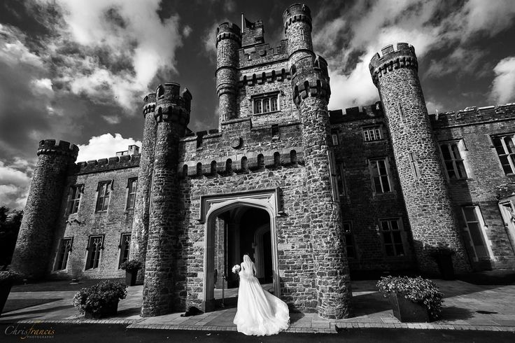 Dramatic Wedding Photos | Castle Wedding
