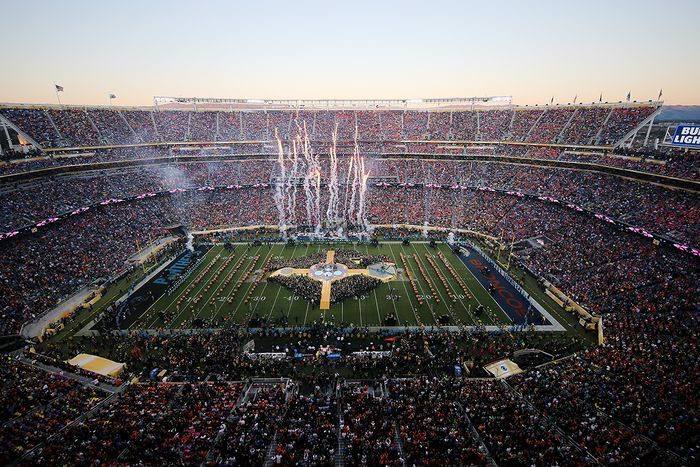 Coldplay - Pepsi Super Bowl 50 Halftime Show uploaded by #Ashley_Christina