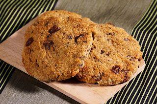 Elmira paleo konyhája: Csokis mazsolás keksz