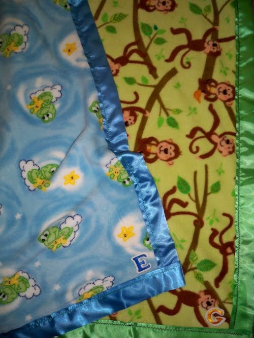 Easy Sewing Projects: twin boys fleece blankets