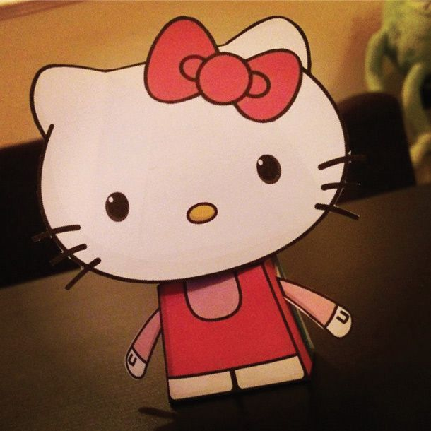 Blog_Paper_Toy_papertoys_Hello_Kitty_Paper_Minions_pic
