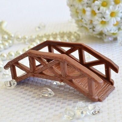 This wooden craft footbridge is great for your craft DIY projects, as a cake topper, for school projects, for a model scene project, or for other great ideas!