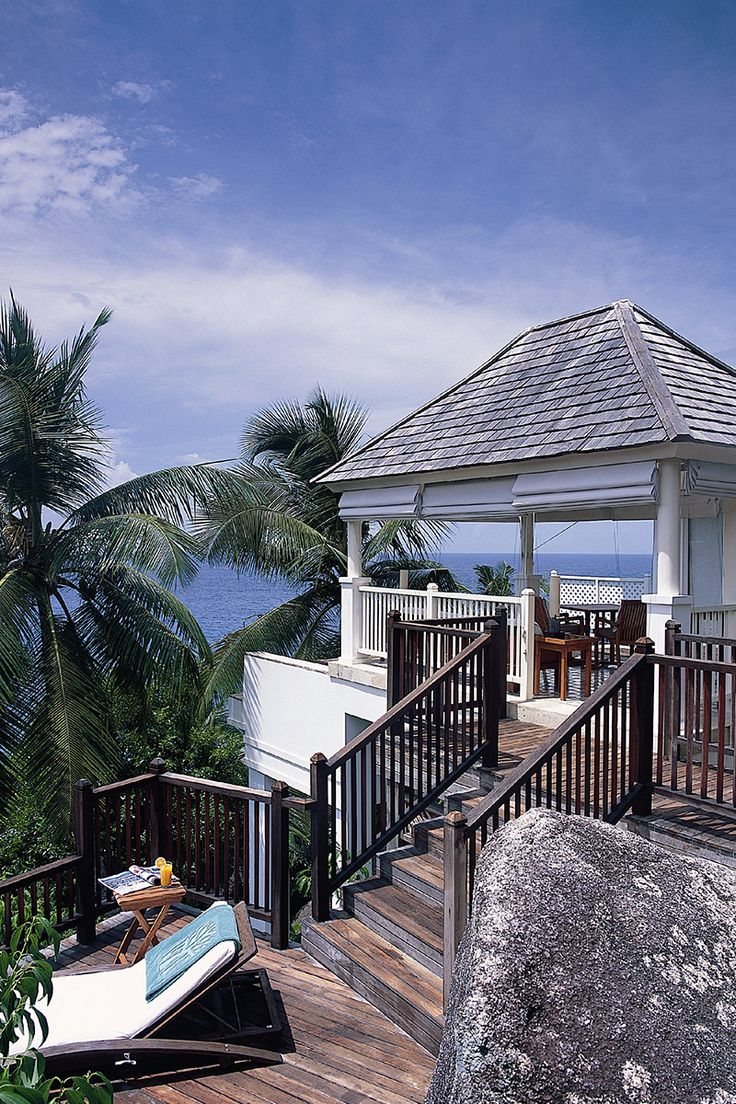 Nestled on a hillside the banyan tree seychelles is assured to provide honeymoon guests with a truly unforgettable experience