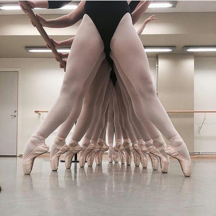 Попка балерины фото, иностранец трахает русскую студентку за деньги