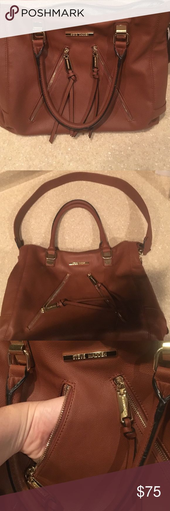 Steve Madden - Tan Purse Excellent condition Steve Madden bag. Lots of storage and looks fabulous. No rips, no tears, no stains. No blemishes. Steve Madden Bags Totes