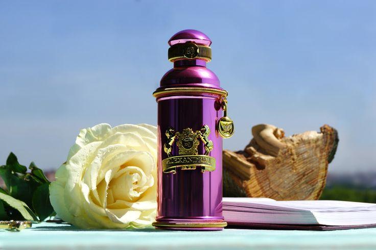 http://perfumeforme.ru/products/alexandre-j/product-alexandre-j-the-collector-rose-oud-rozovyy-ud  Alexandre J Rose Oud «Розовый Уд» - Многогранный, по-королевски роскошный и чувственный юнисекс аромат, принадлежащий к группе восточные древесные. Парфюм увидел свет в 2012 году, и сразу же у почитателей Alexandre J он вызвал неподдельный восторг. Виртуозы ольфакторного жанра этой компании действительно создали великолепное и гармоничное звучание, окружив короля мира запахов - дерево уд яркой…