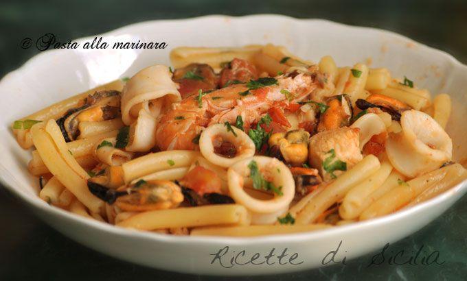 La pasta o il risotto alla marinara sono classici piatti della cucina siciliana e sopratutto di quei luoghi che si affacciano sul mediterraneo