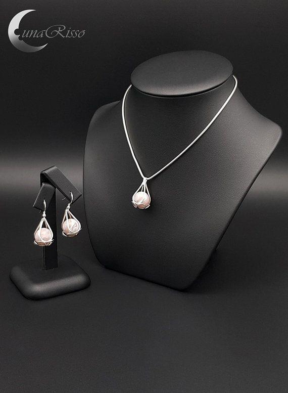 https://www.etsy.com/uk/listing/585902552/hanging-round-silver-jewellery-set