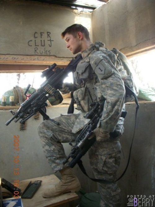 I <3 Military Guys (Thanks TheBerry for the pic!)
