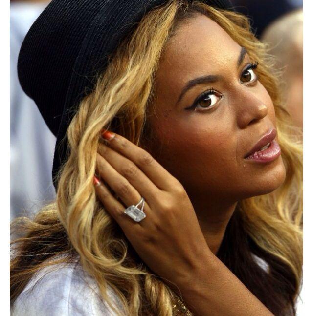 Beyonces 18ct Lorraine Schwartz Diamond Engagement Ring