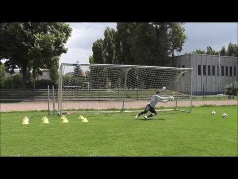 Kapusedzés (Goalkeeper Training) - YouTube