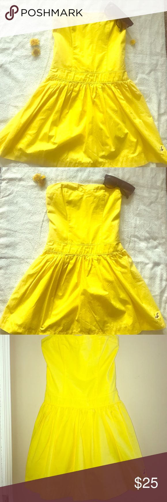 Hollister Strapless Mini Dress Yellow Mini Dress. Cute and Fits Great ‼️ No stains or wear and tear. Great springtime pick 😍 Hollister Dresses Strapless
