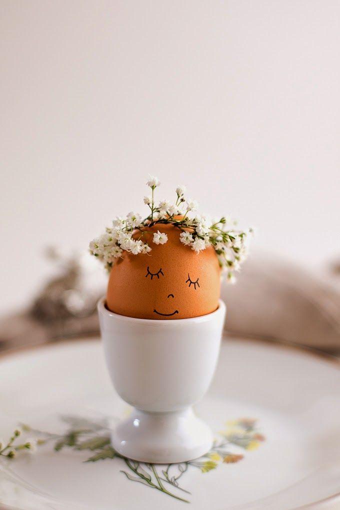 Floral Wreath Crowned Easter Eggs DIY