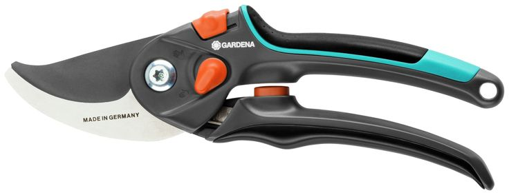 Gardena Bypass Secateurs 8904.: The GARDENA Bypass Secateurs are suited for cutting flowers, young shoots and fresh wood. The narrow…