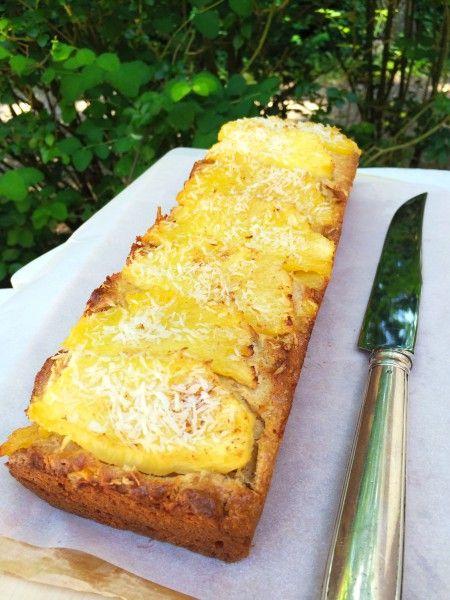 Deze ananas cake is een stuk gezonder dan heeeel veel andere cakes. Ik gebruik hiervoor volkoren speltmeel en een heel klein beetje honing. Lekker als tussendoortje of voor ontbijt