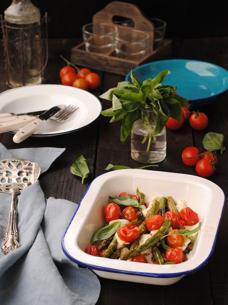 Cocinando con Neus: Espárragos con tomates cherry asados al horno