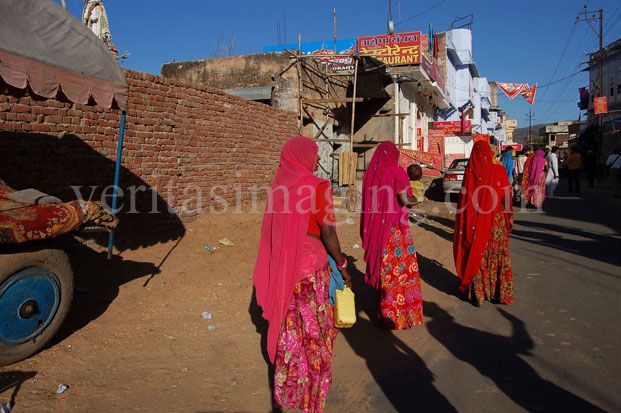 Sari clad women at the Sadar Bazaar in Pushkar Rajasthan-India
