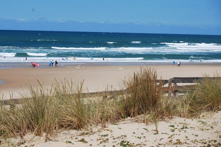 On the Médoc coast between Landes forest and the Atlantic is the beach of Lacanau, 14 km long, it is a surf mecca internationally recognized.