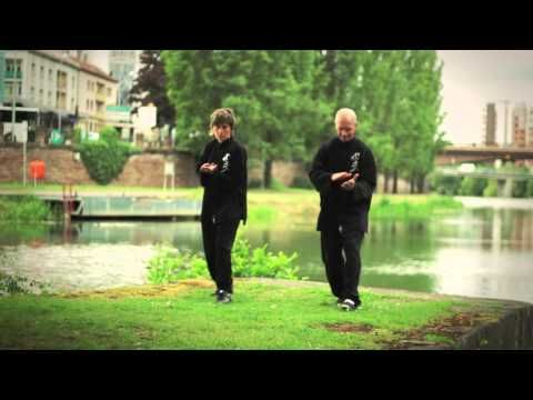 Chi Gong - Les Marches Thérapeuthiques - YouTube
