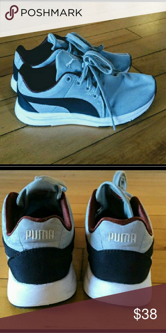 Like New Puma Evo's Ladies Puma's in like new condition. Worn maybe x 2. Puma Shoes Athletic Shoes