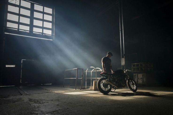Ryan Reynolds Triumph Thruxton