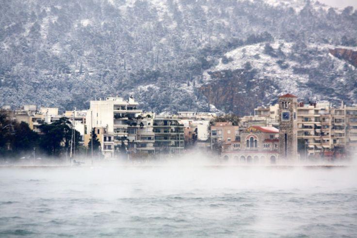 De sea fog n snow in Volos, Magnisia, Thessaly_ Greece