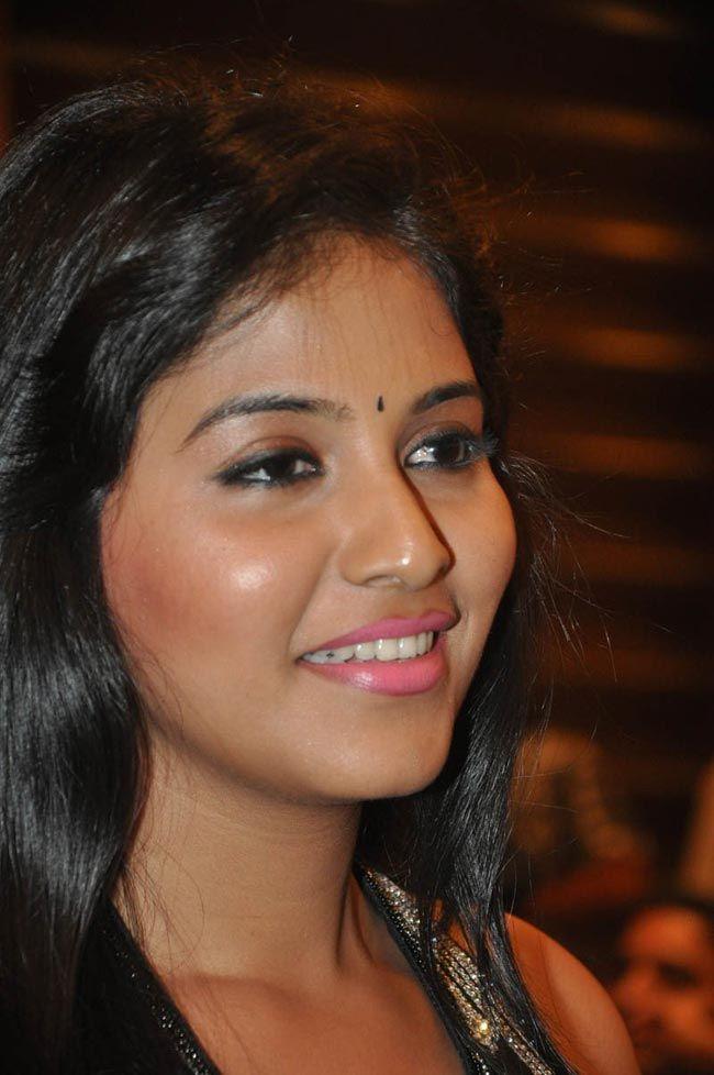 Anjali - Hot in Black Sleeveless