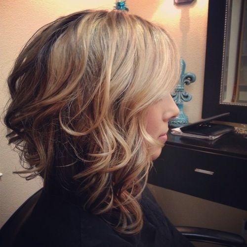 Layered Medium Wavy Haircut
