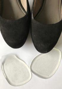 voetkussentjes, ideaal wanneer je hakken draagt end deze ook graag de hele dag wilt dragen zonder pijnlijke of vermoeide voeten. Lees er meer over op lodiblogt.nl