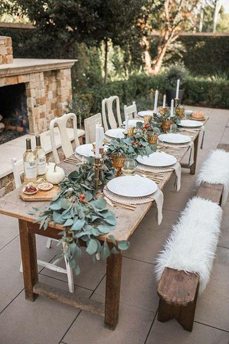 23 Best Outdoor Thanksgiving Dinner Decors