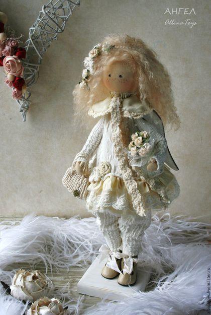 Купить или заказать Свадебный ангел.Текстильная кукла ангел Адель в интернет-магазине на Ярмарке Мастеров. Ангел Адель, исполнена в молочной гамме. Использованы немецкий хлопковый трикотаж, шелк, пряжа хлопок с вискозой, шебби ленты, хлопок на сетке, волосы натуральные, мягкие и шелковитсые, можно укладывать. Ангел стоит с подставкой, сидит с опрой, ручки гнутся. Нежный ангелок подарит много любви и заботы и сохранит тепло и уют в доме. Будет необычным стильным подарком.