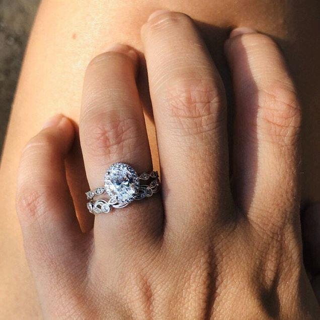 2 20 Cttw Art Deco Bridal Set Ring Oval Halo Engagement Ring W Leaf Vine Vintage Wedding Ring Dainty Bridal Set 65359 2a In 2020 Wedding Rings Vintage Bridal Ring Sets Oval