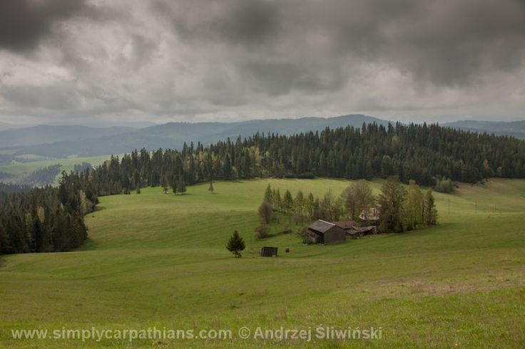 The Spiš Pieniny - very picturesque but rarely visited part of the Pieniny Mountains in Poland. Perfect for hiking and cycling.  www.simplycarpathians.com