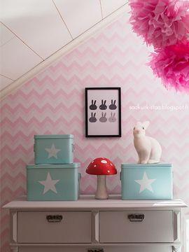 Katso Saa kurkistaa -blogin Mintun kirjoitus lastenhuoneen pintaremontista. Toteutettu yhteistyössä K-raudan kanssa.  #krauta #lastenhuone