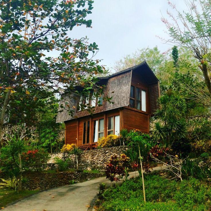 Villa in secret beach ceningan Island Indonesia
