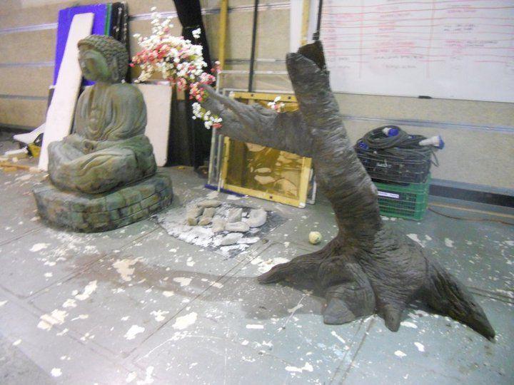 Arbol de cerezo y Buda en porexpan