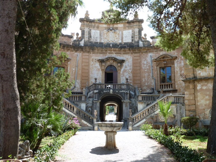 "One of the best known and most visited monuments in Sicily: Villa Palagonia in Bagheria.  This superb and eccentric villa was already visited by famous travellers in the 17th century, who considered it ""the most original in the world and famous throughout Europe""."