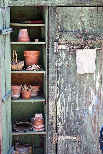 Gardener's Cabinet