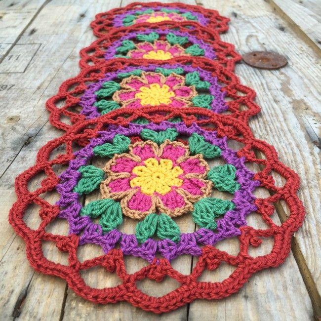 Dahlia coaster. Free crochet pattern.
